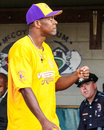 Actor chris tucker before the start of the jeffrey osborne foundation celebrity softball game Royalty Free Stock Image