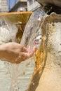 Agua clara fresca. Imagen de archivo