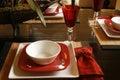 Ajuste da tabela em vermelho e em branco Imagens de Stock Royalty Free