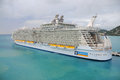 Allure of the seas cruise ship philipsburg st maarten jan royal caribbean docked it s largest passenger ever built just in longer Stock Photos