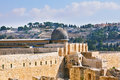 The ancient walls of jerusalem lit morning sun dome al aqsa mosque on temple mount in Royalty Free Stock Photos