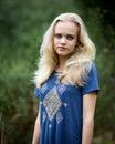 Angel white teenage girl in hermoso un campo Fotografía de archivo libre de regalías