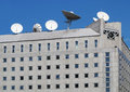 Antenna satellite tv on building roof。 Royalty Free Stock Photography
