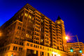 Apartment building at night in washington dc Royalty Free Stock Photos