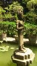Apsara de piedra en jardín del khmer Foto de archivo