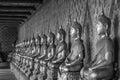 Arrangez de la statue de bouddha en noir et blanc Images stock