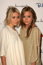 Ashley olsen and mary kate olsen at the miss davenporte trunk show hosted by lucky magazine ron herman los angeles ca Royalty Free Stock Photography