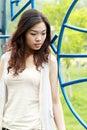 Asiatisches Mädchen draußen. Lizenzfreies Stockfoto