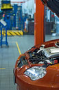 Auto in workshop Royalty-vrije Stock Afbeelding