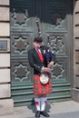 Bagpiper th photo show the in edinburgh Royalty Free Stock Images