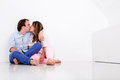 Baisers affectueux de couples Image stock
