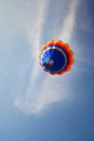 Balloon one in to blue sky Royalty Free Stock Photos