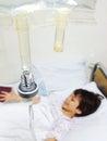 Bambino che ha trasfusione Fotografia Stock