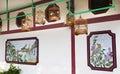 Bambufågeln cages den Hong Kong marknadsväggen Royaltyfri Bild