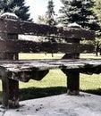 Banco de parque de madera viejo Imagen de archivo libre de regalías