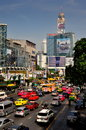 Bangkok, TH: Traffic on Ratchaprasong Road Royalty Free Stock Photos