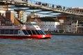 Barca nel fiume Tamigi Immagini Stock