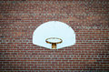Basketbal netto op bakstenen muur Stock Foto's