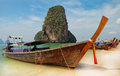 Bateaux traditionnels de longtail sur la plage de Railay Images stock