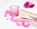 Bath towels with pink roses Royalty Free Stock Photo