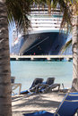 Beaching met een cruiseschip Royalty-vrije Stock Fotografie