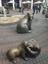 Bears sculpture in front of shopping mall Stock Photography