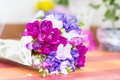 Beau bouquet des freesias Photo stock