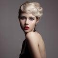 Krásny blondínka žena