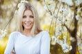 Krásný šťastný blondýnka žena portrét detailní