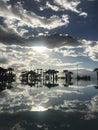 Krásny západ slnka podľa bazén