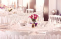 Beautifully decorated wedding table arrangement Royalty Free Stock Photography
