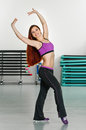 Beauty fitness young woman does exercise in club Royalty Free Stock Photos