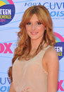 Bella thorne at the teen choice awards at the gibson amphitheatre universal city july los angeles ca picture paul smith Stock Image