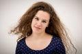 Bello ginger teenage girl smiling in la macchina fotografica Immagine Stock Libera da Diritti