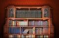 Biblioteca clásica muebles antiguos Imágenes de archivo libres de regalías