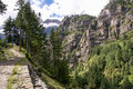 Big nature trail annapurna follows steep drop off surrounded by impressive green rocky mountain landscape Royalty Free Stock Photos