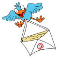 Bird Delivering Email Royalty Free Stock Images