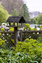 Birdhouse with Buckingham Palace as background Stock Photos