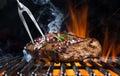 Bistecca di manzo sulla griglia