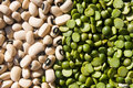 Black Eyed Peas and Green Peas Royalty Free Stock Photography