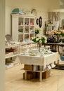 Boutique à la maison de décor et de plats Image libre de droits