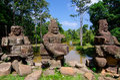 Brücke preah khan angkor stone carvings gopura Lizenzfreie Stockfotos