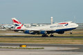 British Airways Boeing 747 jumbojet som tar av Royaltyfri Bild