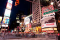 Broadway ajustent parfois par Night Photo stock