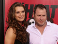 Brooke shields and chris henchy glamorous actress arrives on the red carpet with husband director writer at the new york premiere Royalty Free Stock Photos