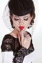 Brunetki piękna kobieta retro moda portret w eleganckim kapeluszu Obraz Royalty Free