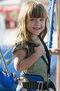Bungee jumping della ragazza su un trampolino Immagini Stock Libere da Diritti