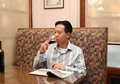 Business drinking man wine 免版税库存图片
