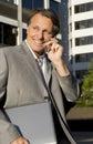 businessman cellphone happy Στοκ φωτογραφία με δικαίωμα ελεύθερης χρήσης