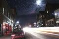Ocupado calle en noche